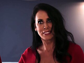Nuvid big tits brunette hd